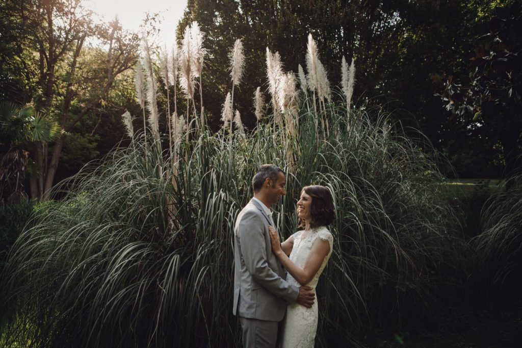 photographe-toulouse-mariage-simplicite-vegetal-seance-photo-couple-jardin-robe-mariee-0007
